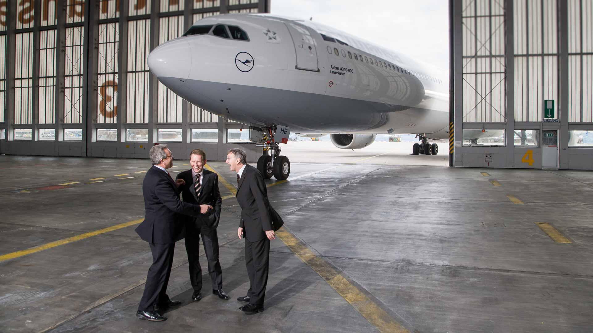 Vorstand Lufthansa AG, während des Shootings für den Geschäftsbericht 2007