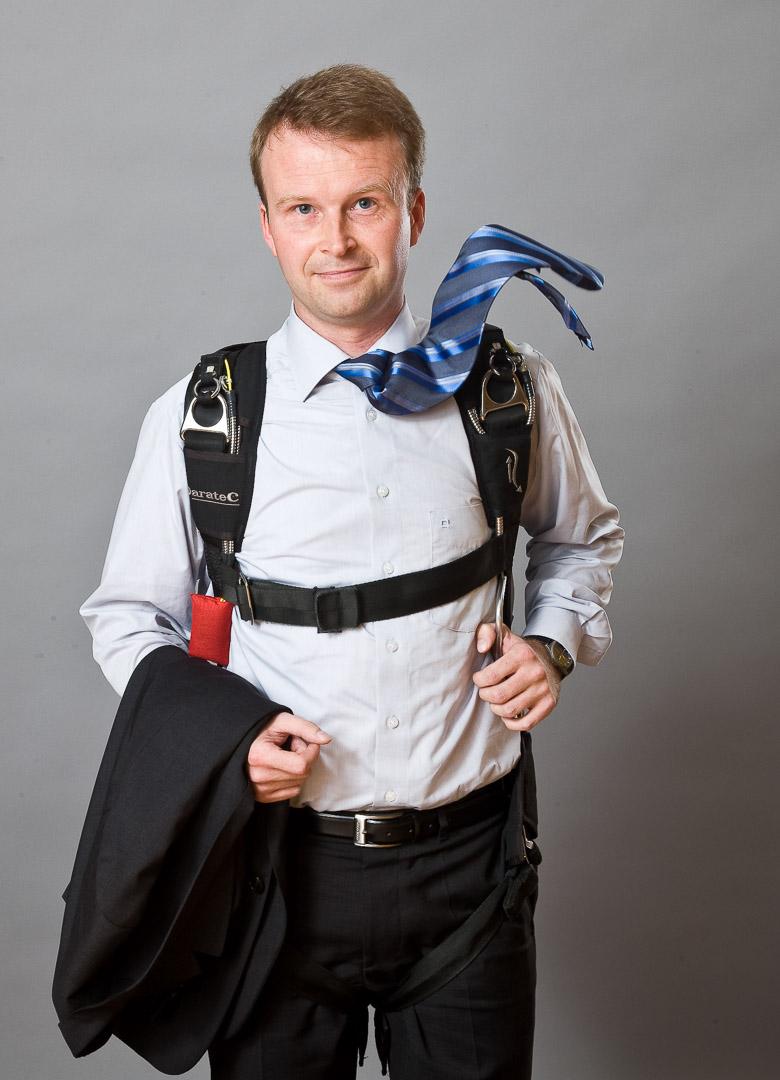 Herr Menzel von der LBBW und sein Fallschirm