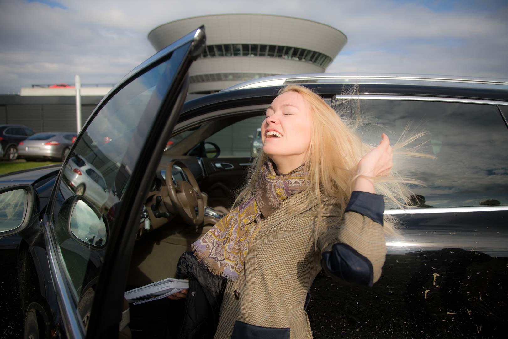 Natascha, Porsche Verkaeuferin in Novosibirsk