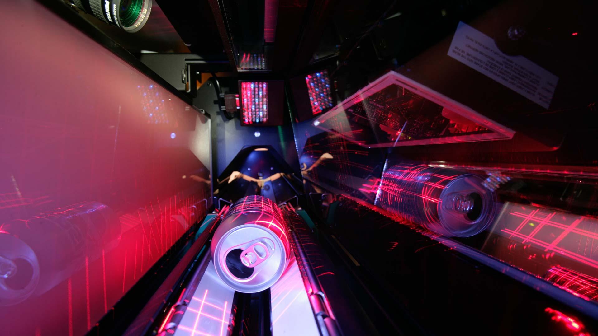 Flaschenrücknahmeautomat REVENDO7000 der Firma Wincor Nixdorf